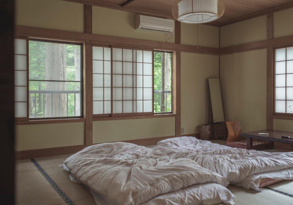 和室の寝室・布団